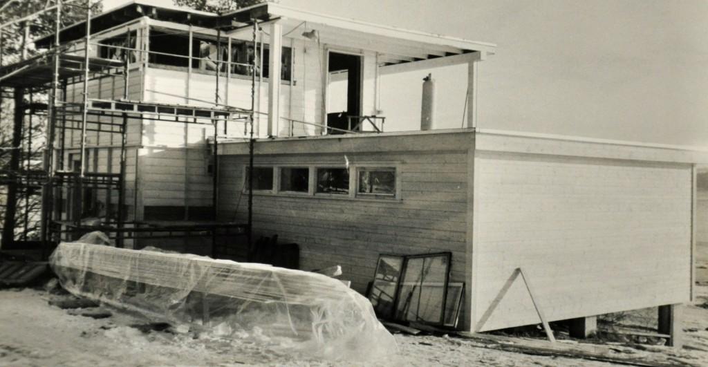 Hamar Roklub damehuset under utbedring vinteren 1983