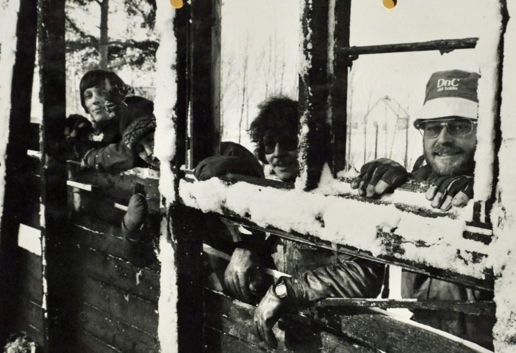 Hamar Roklub rivig av utbrent båthus vinter 1980-81